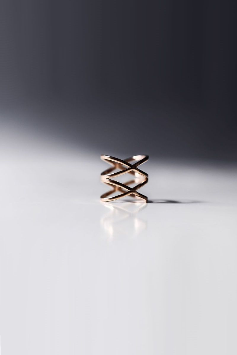 The Sleek Double Cross Ring Rose Gold