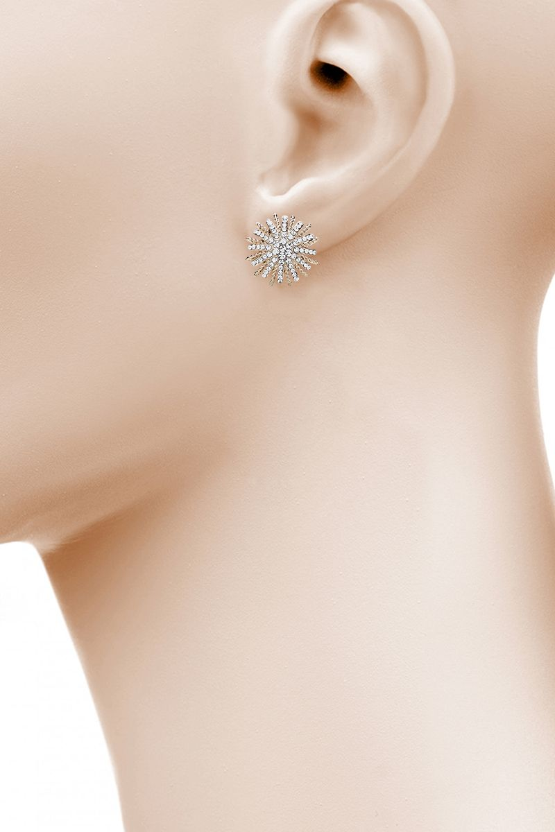 The Essential Sparkling Flower in Gold