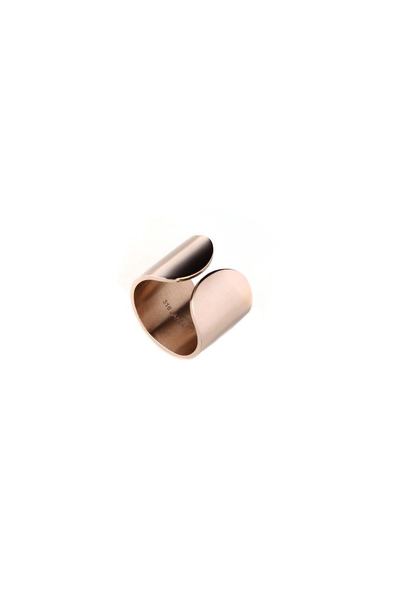 The Sleek Thick Band Finger Cuff Rose Gold